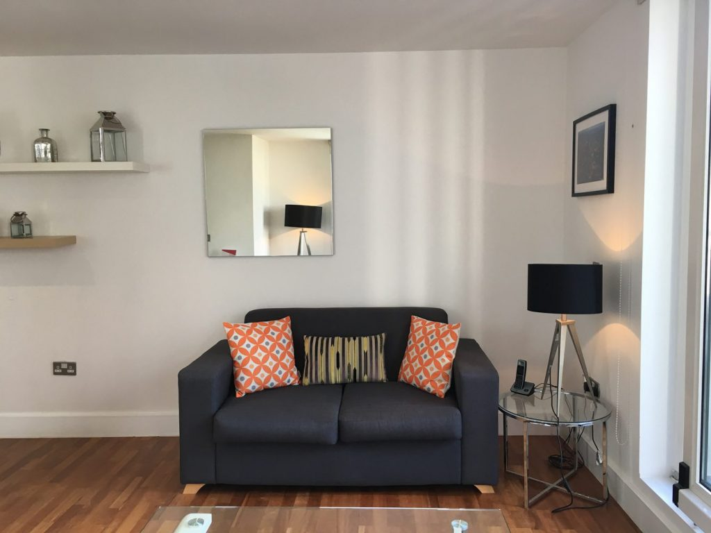 1 Bedroom Deluxe Tower Hill City Apartments
